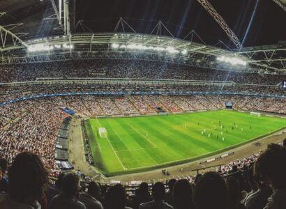 Tips til å få råd til fotballreisene du drømmer om